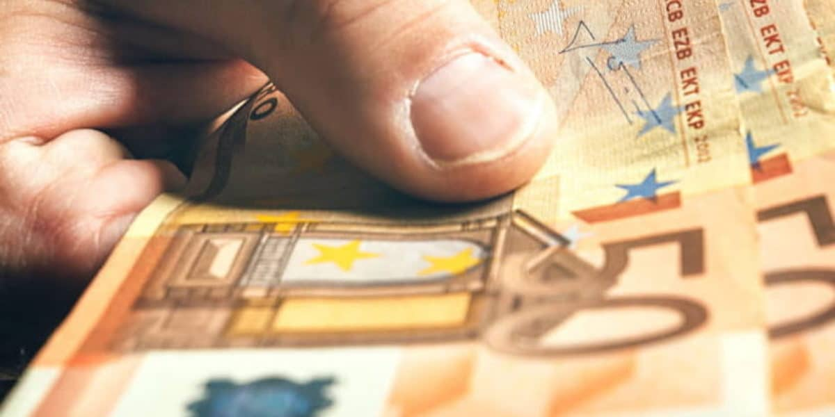 Salaires plus attractifs au Luxembourg
