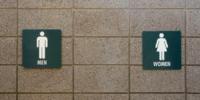Table à langer - toilettes hommes