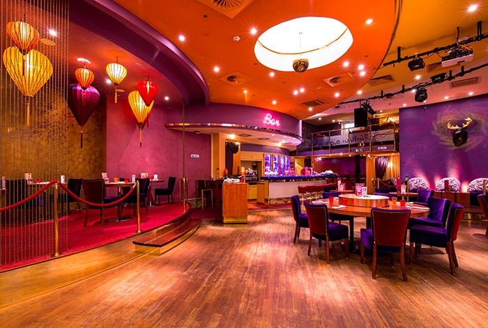 Régulièrement, le casino accueille des artistes en tout genre (musiciens, magiciens...) pour des soirées animées.