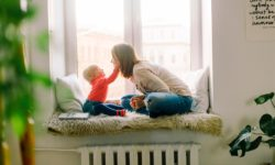 Le congé parental doit être pris par l'un des deux parents dès la fin du congé de maternité ou d'allaitement.