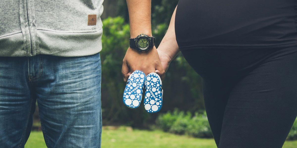 Un congé de maternité dure au minimum 16 semaines.