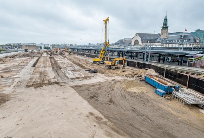 4 nouvelles voies, 2 souterrains prolongés et élargis, 1 nouvelle passerelle. Durée des travaux : 2018-2025. Coût total estimé : 171 millions d'euros.
